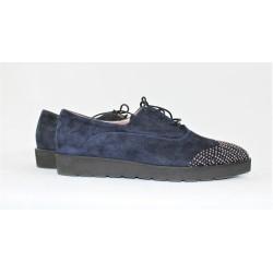 Chaussure bleu en cuir daim